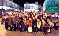 Choir sings in Spain