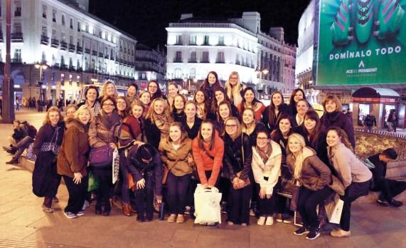 Choir sings in Spain